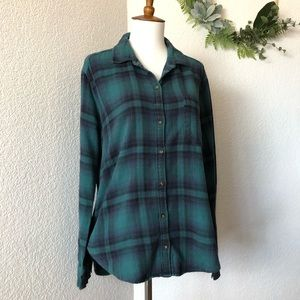 Hollister • Green and Blue plaid Flannel